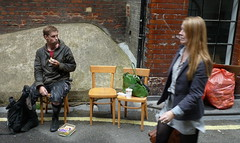 lunch (estherase) Tags: emssimp findleastinteresting 0f stranger strangers peopleidontknow jon noj nojjohnson chair seated sitting eating food drink google londonist peopleidontknow2 myfaves at friends friend