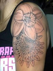 DSCN0709 (LauraBeeBennett) Tags: tattoo tattoos tattooedwomen napavalleycalifornia flowertattoos bugtattoos prettytattoos winecountrytattoo flyingcolorstattoo napavalleytattoo