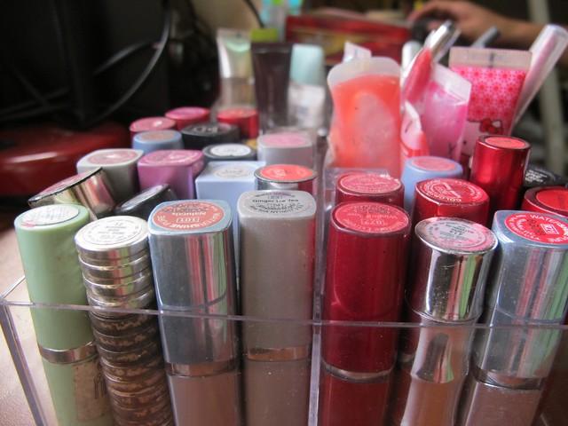 Organizing Vanity Dresser (31)