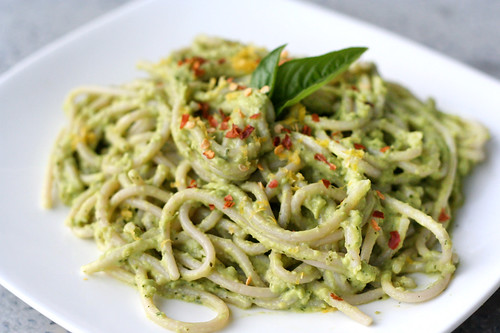 Creamy Avocado Pasta - Tasty Yummies