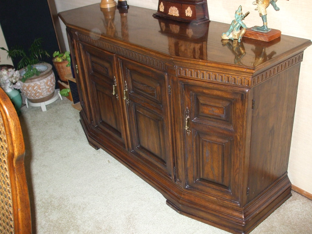 Buffet (closed) -- (with matching dining room table, six chairs, and one leaf) ($400)