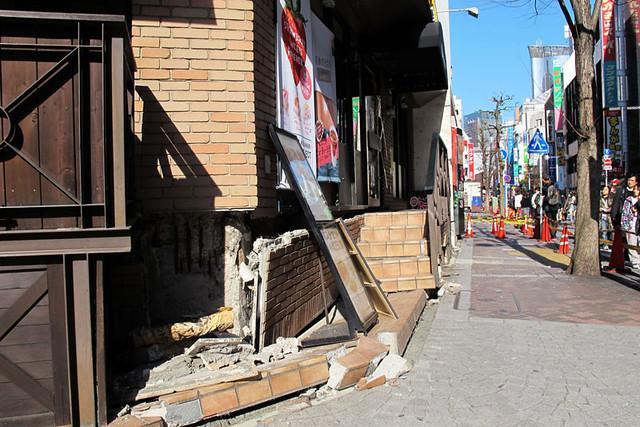 110313_150443_横浜_地震爪痕