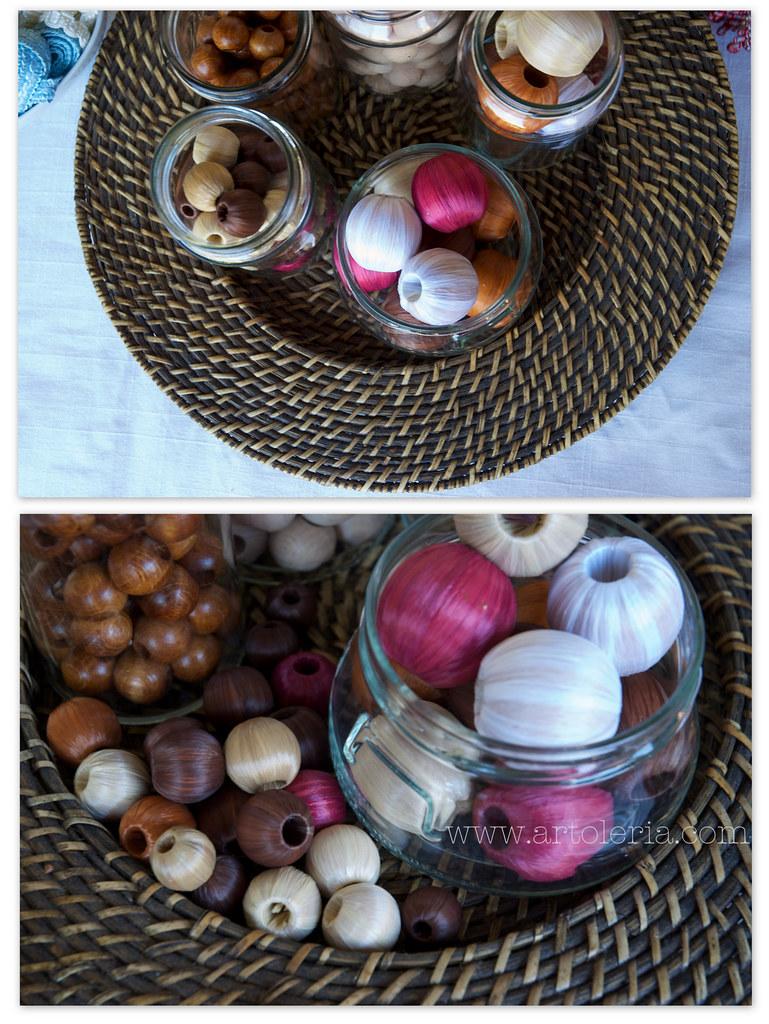 perle di legno e rafia