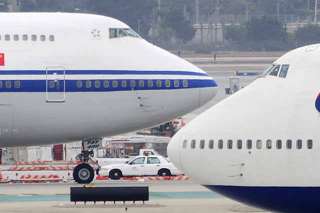 Air China Boeing 747-4J6M  (B-2471) and British Airways Boeing 747-436 (G-CIVV)