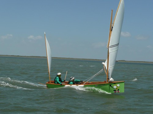 Strong wind downwind in unstayed Cat Ketches and Cat Yawls