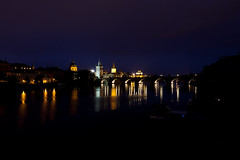 Karlsbrcke Prag (Praha) (Belze83) Tags: longexposure bridge light building night licht nightshot nacht prag nachtaufnahme langzeitbelichtung leuchten 2011 ef2470f28l karlsbrcke belze83