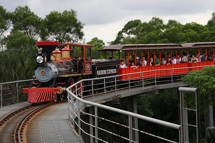 六福村動物園047