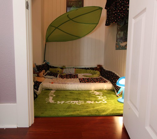 cosy floor beds montessori style