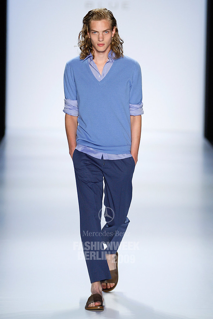 SS09 Mercedes-Benz Fashion Week Berlin_Strenesse Blue005_Paul Boche