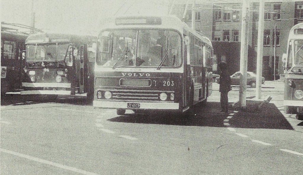 First Volvo trolleybus arrives in Wellington, March 1981