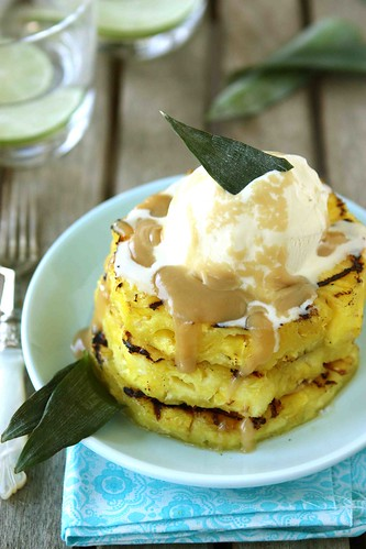 Grilled-Pineapple-with-Brown-Sugar-Rum-Sauce-Recipe