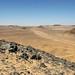 Estrada que corta o deserto