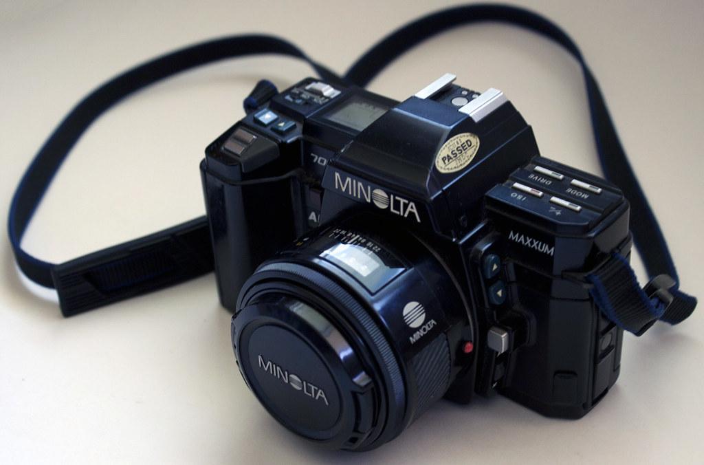 Minolta Maxxum 7000 SLR Camera