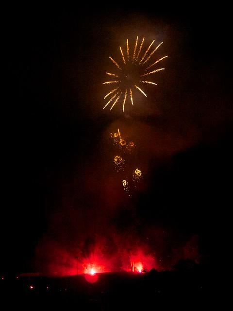 Vos feux d'artifices du 13 ou 14 Juillet 5938990355_c7427aef36_z