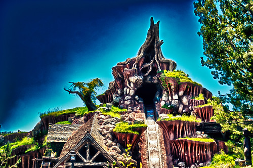 Splash Mountain by hbmike2000