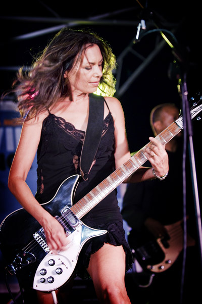 Susanna Hoff of The Bangles