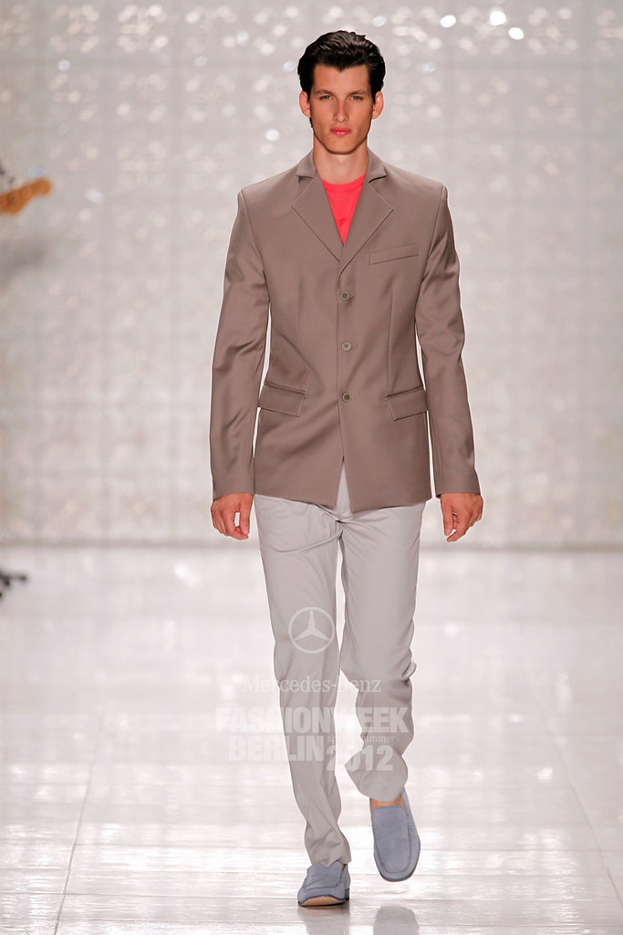 Julian Hennig3007_SS12 Berlin Fashion Week Kilian Kerner (Berlin FW)