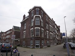 Lisstraat - Bergselaan Rotterdam (oerendhard1) Tags: street houses netherlands architecture corner rotterdam streetcorner cornershop straathoek hoekhuis bergselaan lisstraat