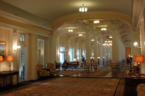 3hotel lobby!.jpg