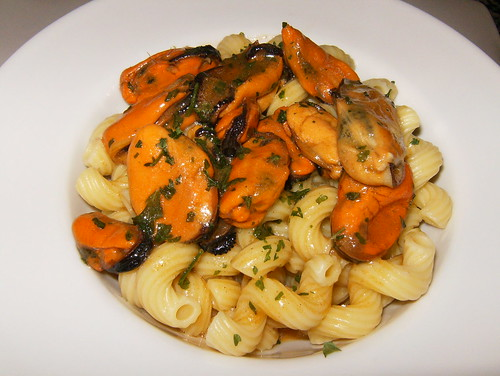 Mejillones con pasta-plato