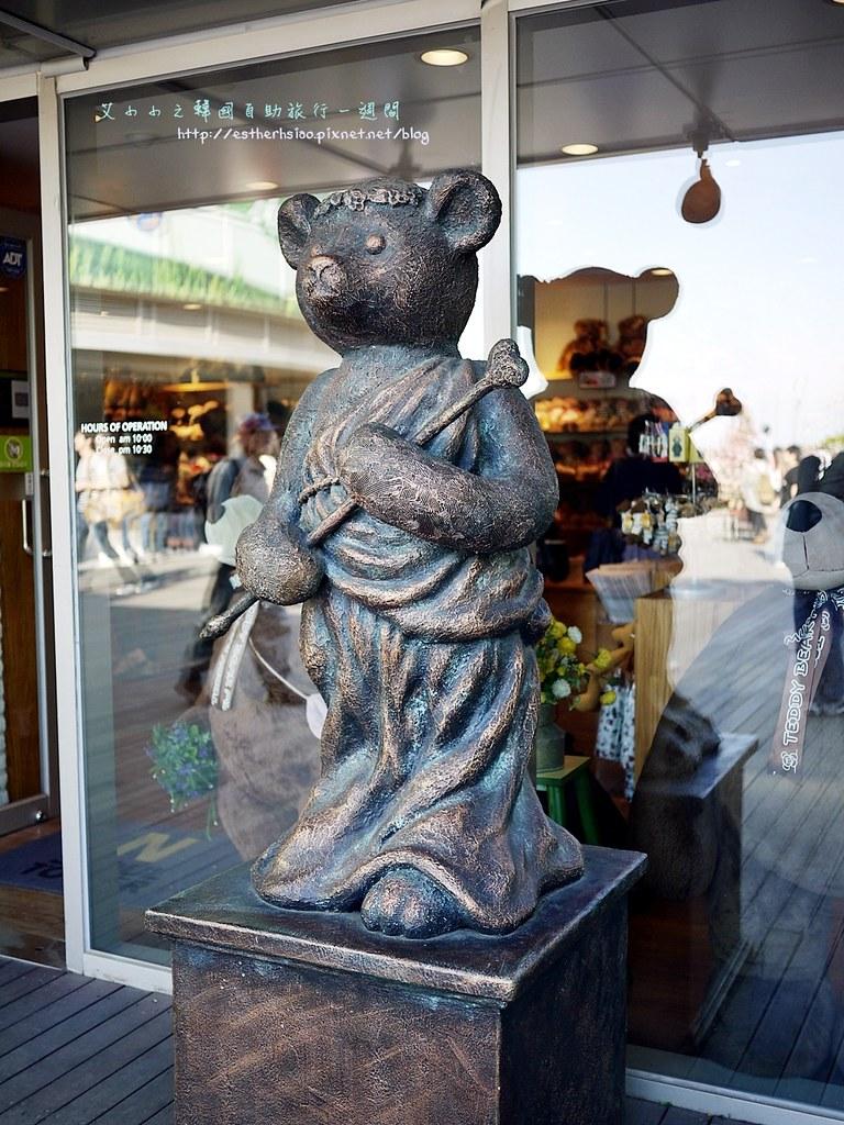 39 泰迪熊銅像