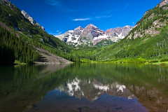 Maroon Bells (doveoggi) Tags: lake reflections colorado maroonbells maroonlake 8901 the4elements whiterivernatrionalforest