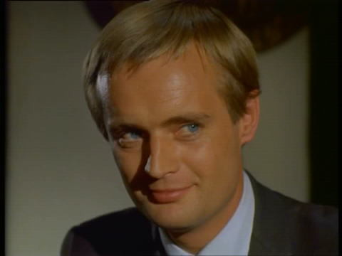 Illya-Kuryakin-man-from-uncle-14093664-480-360
