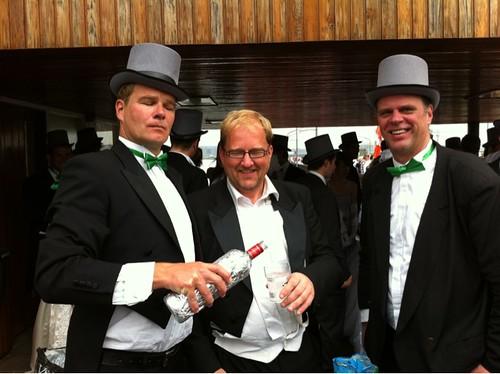Gay Pride 2011: #D66 vaart ook mee, proost! #AGP11