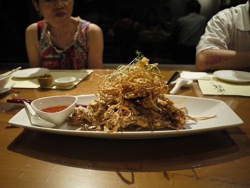 第六道菜:酥炸軟殼蟹配泰式辣醬+炸牛磅絲