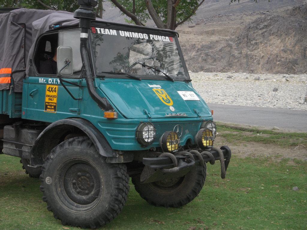 Team Unimog Punga 2011: Solitude at Altitude - 6017118075 3cc46fd0f6 b