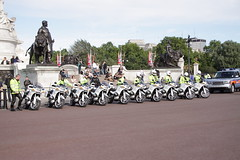 BMW bikes and BU60BZK Range Rover of the Met's Special Escort Group (Ian Press Photography) Tags: from uk england usa london cars car bike out during day 4x4 president transport group guard may police bikes rover security visit special american views gb land bmw service biker guards met emergency landrover range obama metropolitan escort services seg prez armed 999 motorcade barack 2011 obamas
