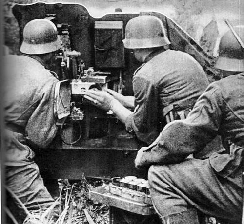 Artilharia alemã fazendo fogo contra posições russas