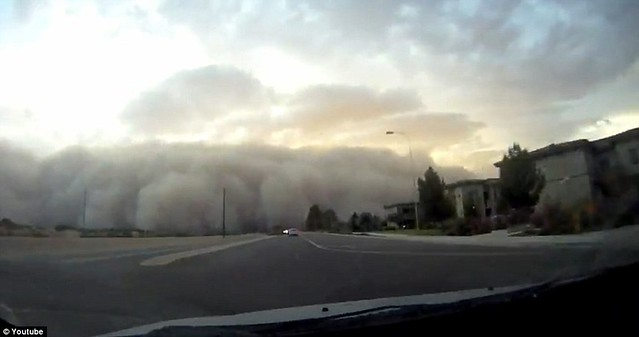 The moment a driver is swallowed by a menacing black cloud as a huge dust storm from the desert engulfs Phoenix    2