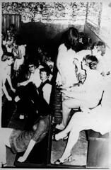 Club Okay-Sitzbänke (Hans-Michael Tappen) Tags: 1969 design 60s style atmosphere cult 1960s ruhrgebiet atmosphäre nordrheinwestfalen jugend bottrop deko ruhrpott 1960er jugendclub sechzigerjahre clubokay clubokaybottrop ksjnd collectionhansmichaeltappen
