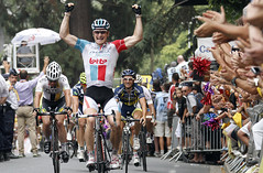 Greipel gets one, Gilbert stays in green