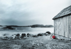 Blue and red (Arnfinn Lie, Norway) Tags: longexposure blue red sea seascape building nature norway oldhouse jren rogaland selectivecolor wow1 wow2 carlzeiss1680mm sonyalpha350 arnfinnlie