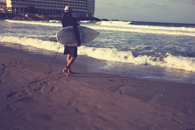 #203 The surfer & waves [22/07/11]