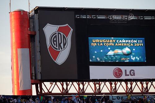 URUGUAY CAMPEÓN DE LA COPA AMERICA 2011 | 110724-9329-jikatu