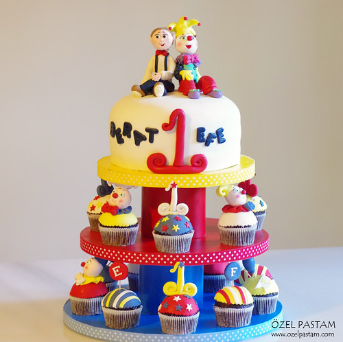 Clown Cupcake Tower