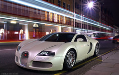 Bugatti Veyron Grand Sport (Niels de Jong) Tags: white bus london sport night canon eos lights aperture long shot cream ivory sigma commons grand creme explore arab shutter 164 gran kuwait bugatti 18200 supercar veyron gransport explored grandsport hypercar nielsdejong 1000d ndjmedia