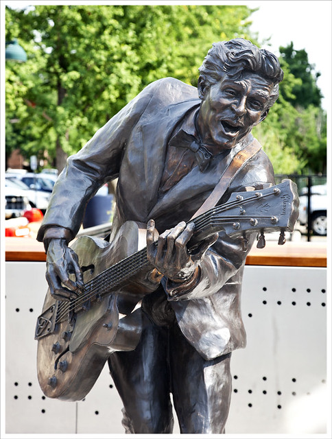 Chuck Berry Statue 3