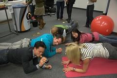 skimble happy hour - elbow plank challenge!