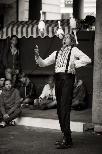 597/1000 - Covent Garden Street Entertainer by Mark Carline