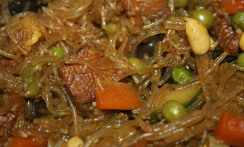 35 - Glasnudel-Gemüsepfanne / Glas noodles stir fry - CloseUp