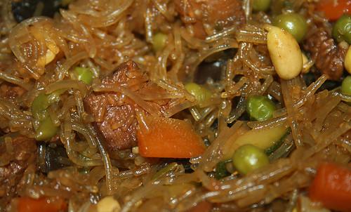 35 - Glasnudel-Gemüsepfanne / Glas noodles stir fry - CloseUp