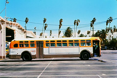 RTD 6552 South Side Div. 5  19710415 (Metro Transportation Library and Archive) Tags: history scrtd division5 southerncaliforniarapidtransitdistrict busexterior