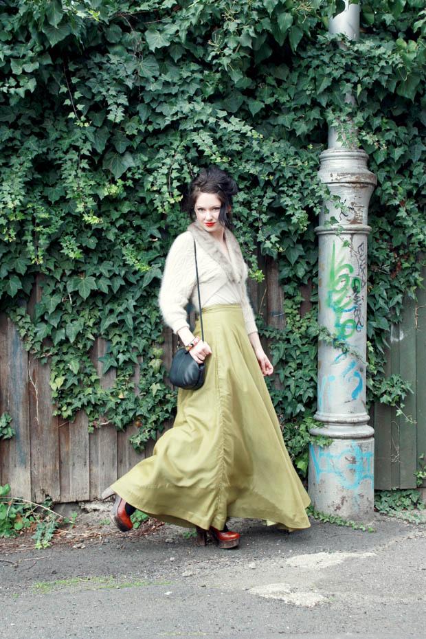 green maxi skirt f