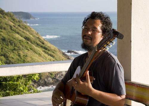 Guitarist at Phuket Viewpoint