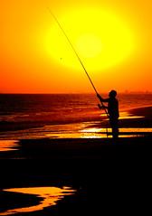 Pescador (pericoterrades) Tags: huelva pescador mazagn pericoterrades torredelloro campingdoana playademazagn