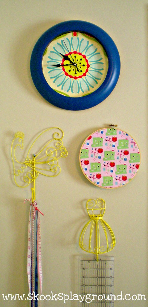 Pop Daisy Clock